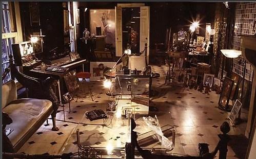 Vue intérieure de l'hôtel particulier de Serge Gainsbourg - 5 bis rue de Verneil 75006 Paris.